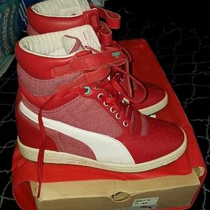 Red wedge puma sneakers